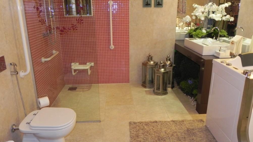 Banheiro Adaptado  Clique Arquitetura -> Banheiro Pequeno Adaptado Para Idoso