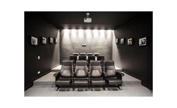 Sala de cinema em casa clique arquitetura - Sala cinema in casa ...