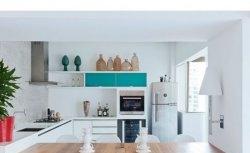 Cozinha branca e azul | Santos&Santos