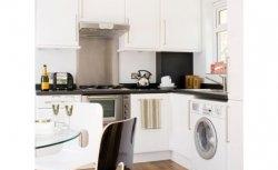 Cozinha: piso de madeira
