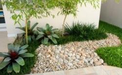 Decoração de Jardins com Seixos
