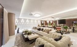 Apartamento em Florianópolis ganha decoração clássica e moderna