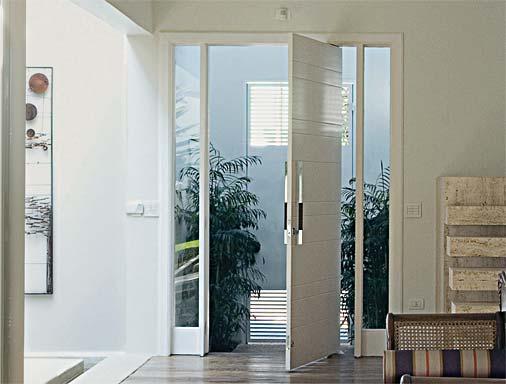 Portas pivotantes clique arquitetura seu portal de for Portas de apartamentos modernas