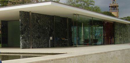 Poltrona barcelona clique arquitetura seu portal de for Contract decor international inc